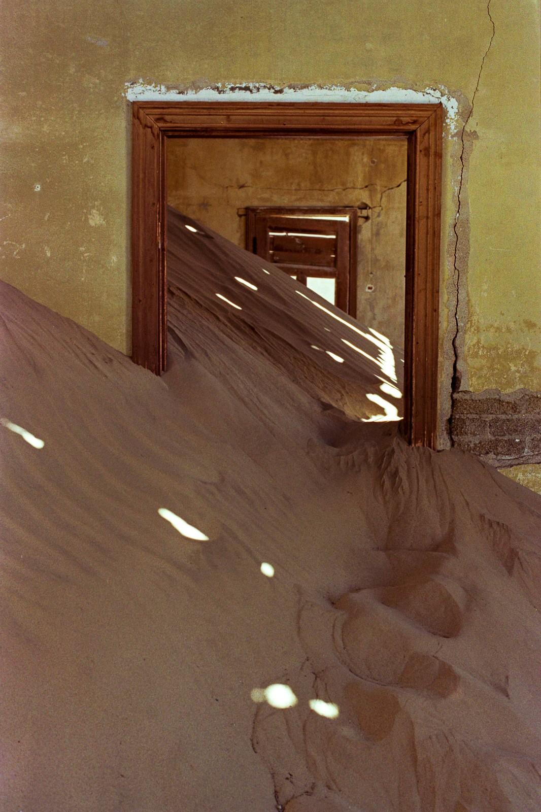 namibia desert ghost town diamond mine kolmanskop