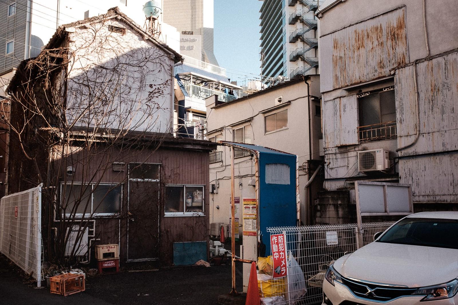 Crowded rooftop in shinsen shibuya