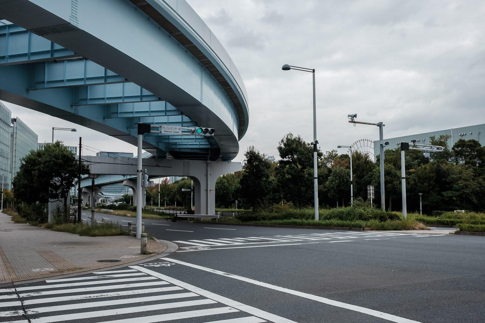 empty streets and yorikamome line rail in odaiba